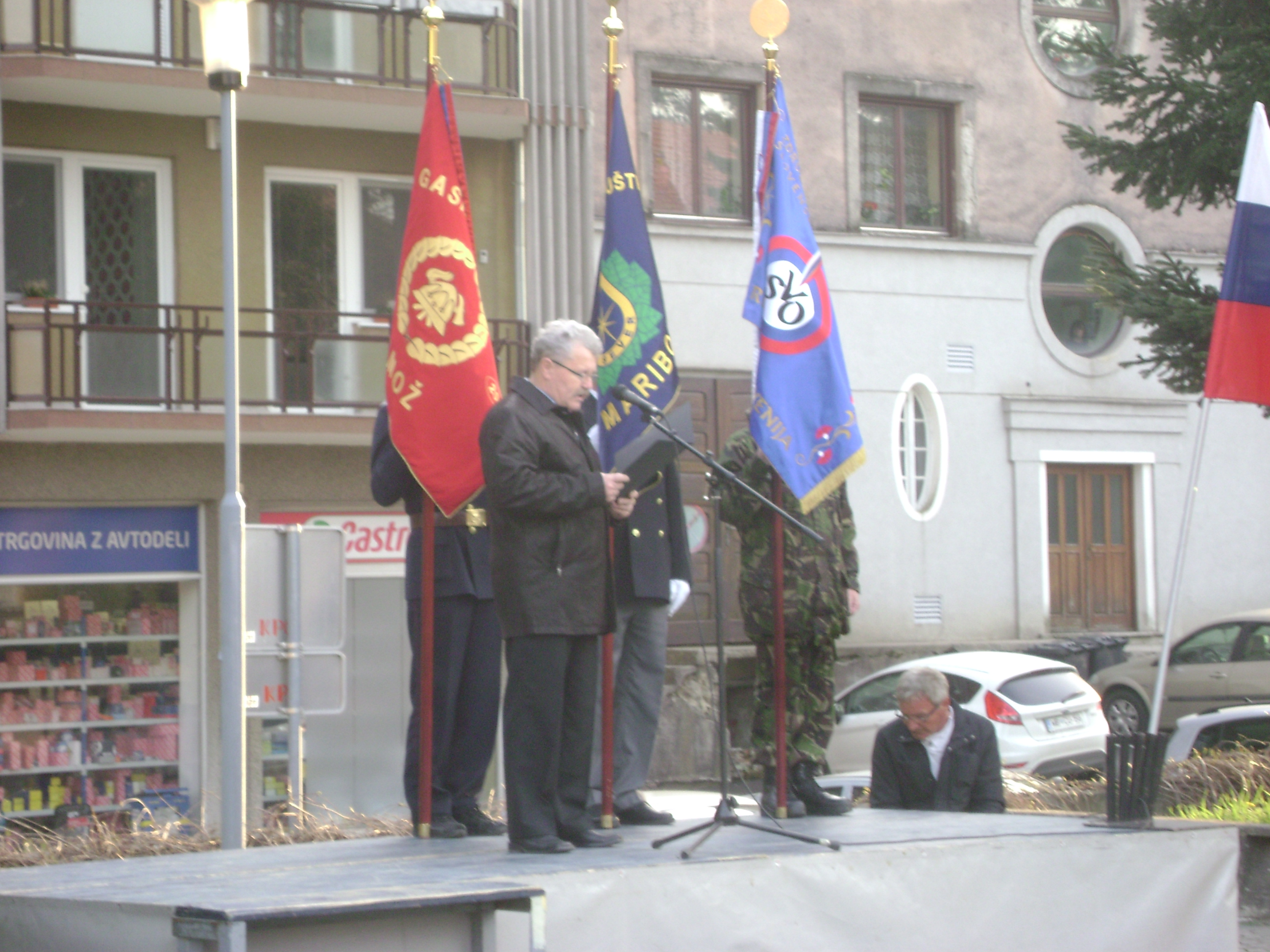 S slovesnosti v spomin generalu Rudolfu Maistru (1874 – 1934)