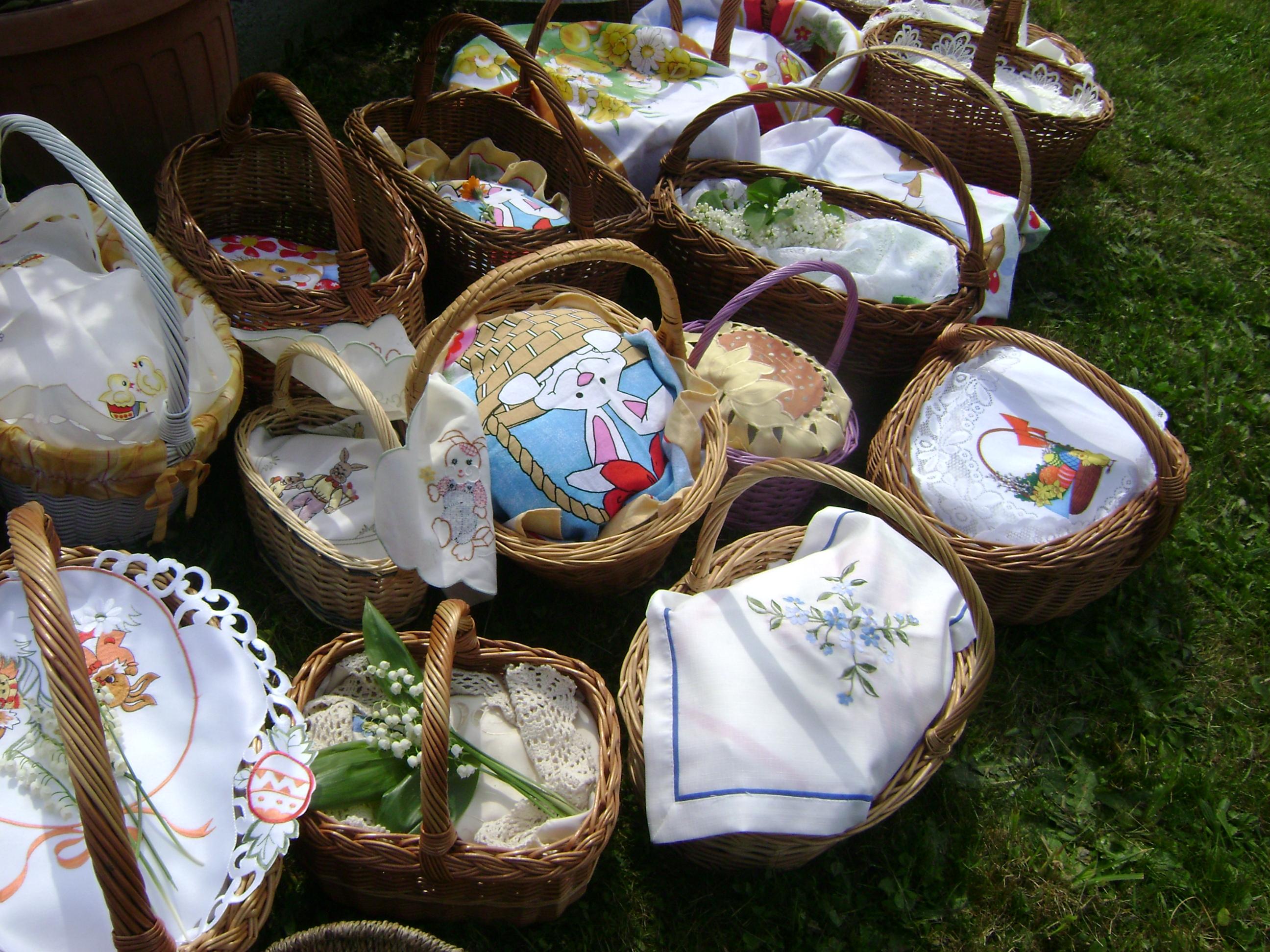 Z blagoslova velikonočnih jedi na PRERADU pri Polenšaku: