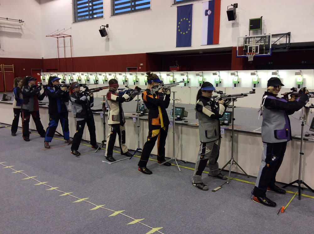 STRELSTVO: Urška Kuharič z novim državnim rekordom 413,8 kroga