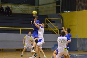 Miha Kavčič in Dominik Ozmec sta odlično opravila nalogo v obrambi na prvi tekmi.