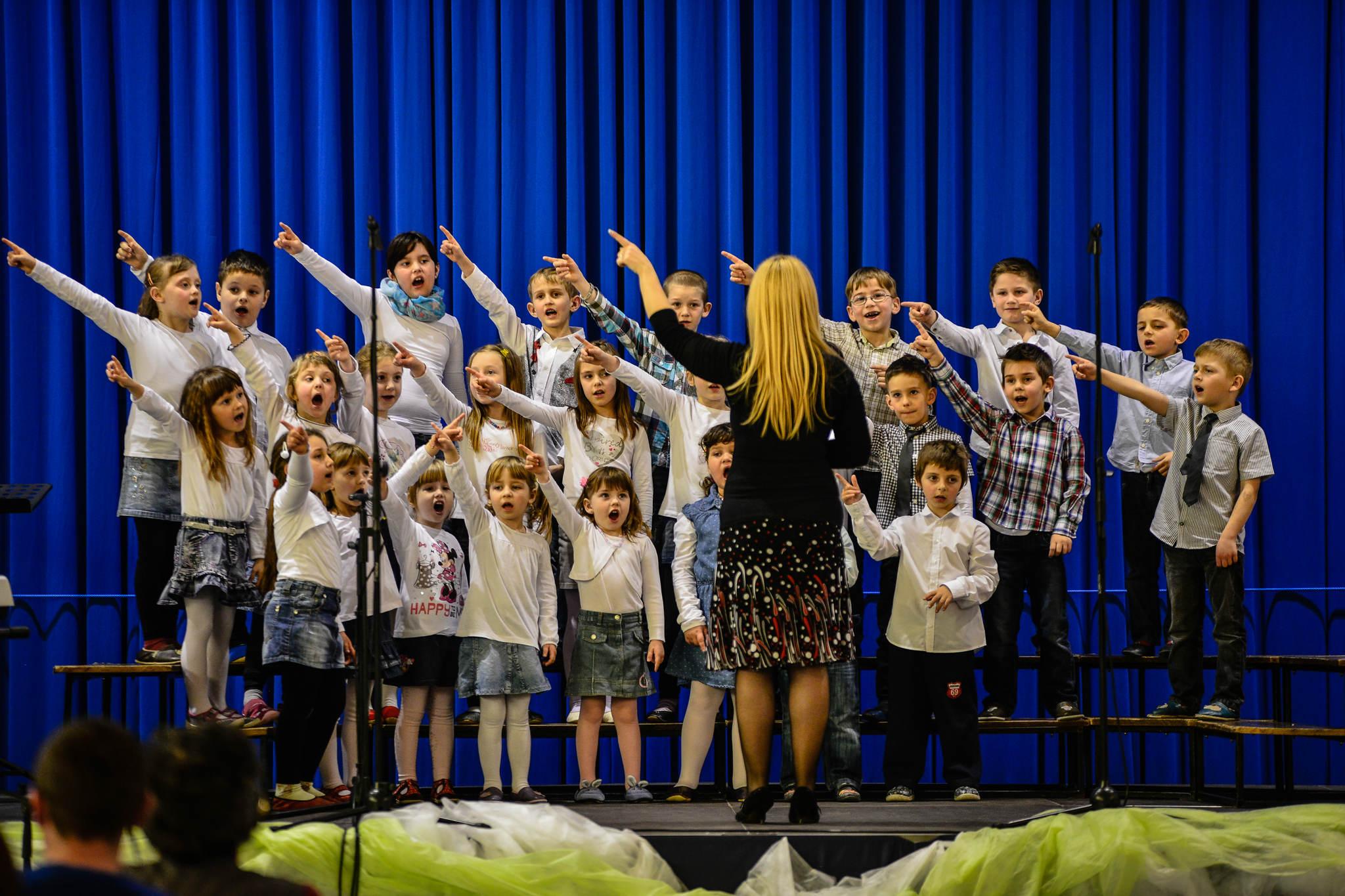 Vzpodbudne pohvale mladim pevcem in gledališčnikom (izjavi strokovnih spremljevalk na prireditvi CICIDO in IGRAJMO SE GLEDALIŠČE)