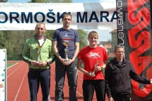 Zmagovalni oder v teku na 21 kilometrov. Na najvišjo stopničko je stopil član AK Ormož Danilo Magdič.