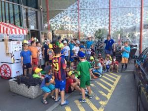 Udeleženci nogometnega tabora so se ohlajali tudi s sladoledom.