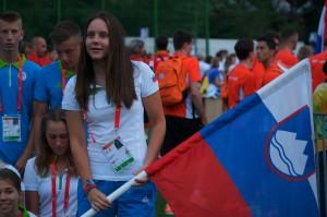 Atletinja Maja Bedrač je bila zastavonoša na otvoritveni slovesnosti. Maja je tudi ena glavnih kandidatinj za medaljo. V Utrechtu pred dvema letoma je Slovenija osvojila rekordnih 11 medalj.