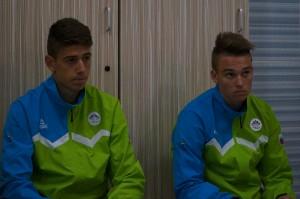 Prvi cilj, uvrstitev v polfinale, so mladi Slovenci že izpolnili. Vse kaj drugega glede na lažjo skupino bi bilo prava katastrofa. Po prikazanem so prvi favoriti prvenstva Francozi, ki so v 1. krogu premagali Slovence (29 : 32).