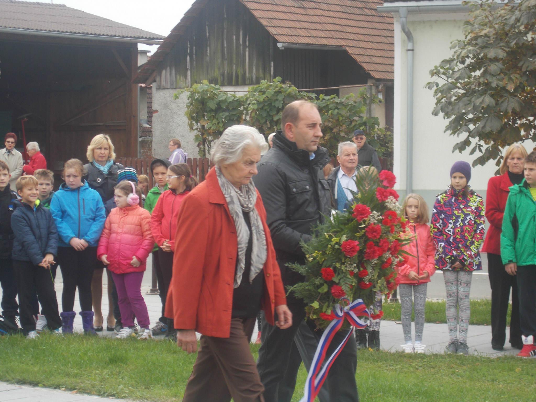Komemoracija ob spomeniku žrtvam NOB v Središču ob Dravi