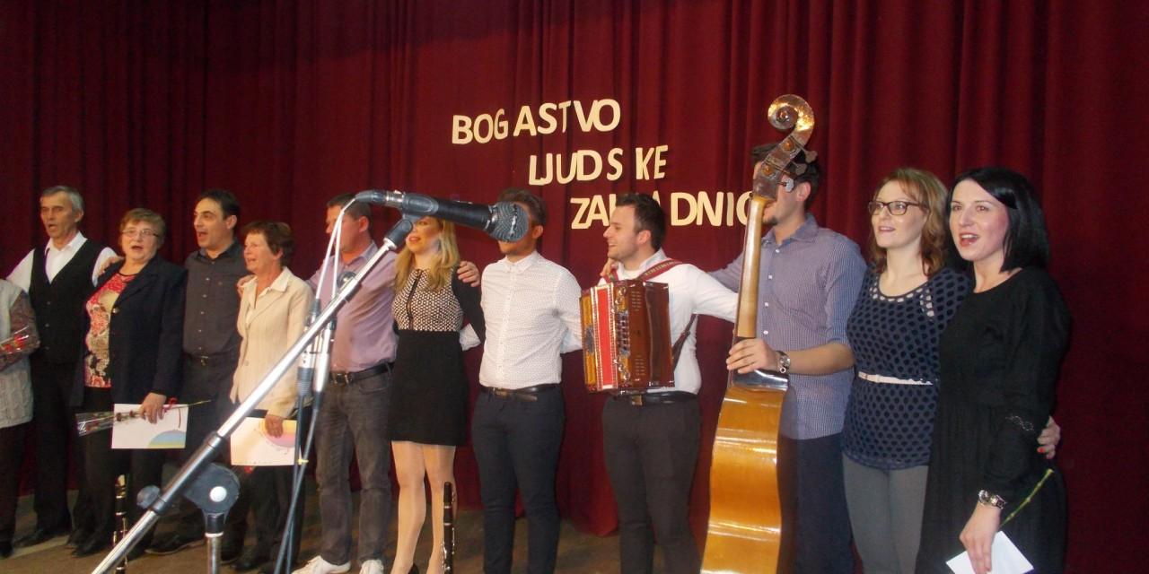 V Svetem Tomažu so se srečali pevci ljudskih pesmi in godci ljudskih viž