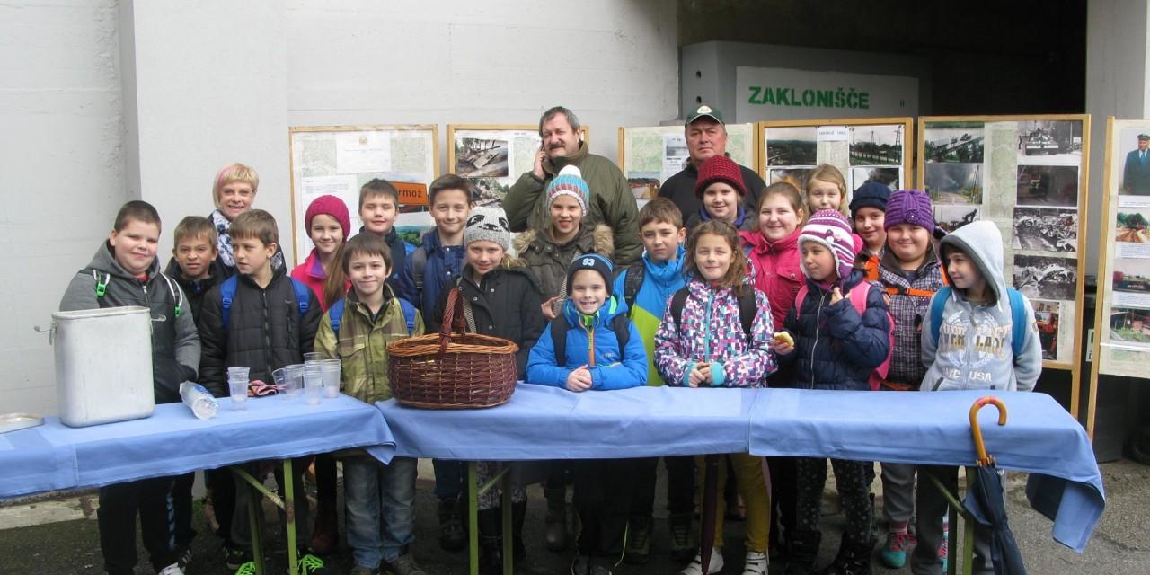 Učenci četrtega in petega razreda na obisku v klubu OZ VVS ORMOŽ