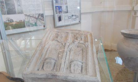 Arheološke ostaline srednjeveškega Ormoža – nova razstava v avli občinske zgradbe