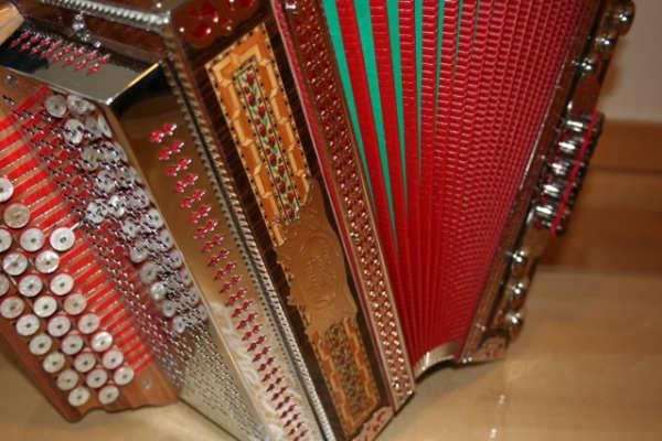 Priložnost za harmonikarje: V MURETINCIH bo v nedeljo predtekmovanje za ZLATO HARMONIKO LJUBEČNE 2016