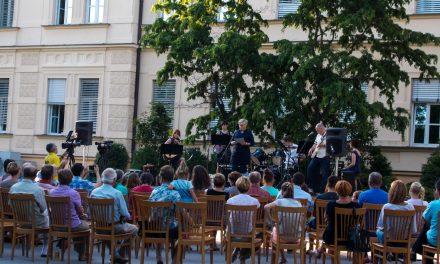 Koncert pod zvezdami – ZLATE RIBICE s poletnim koncertom navdušile