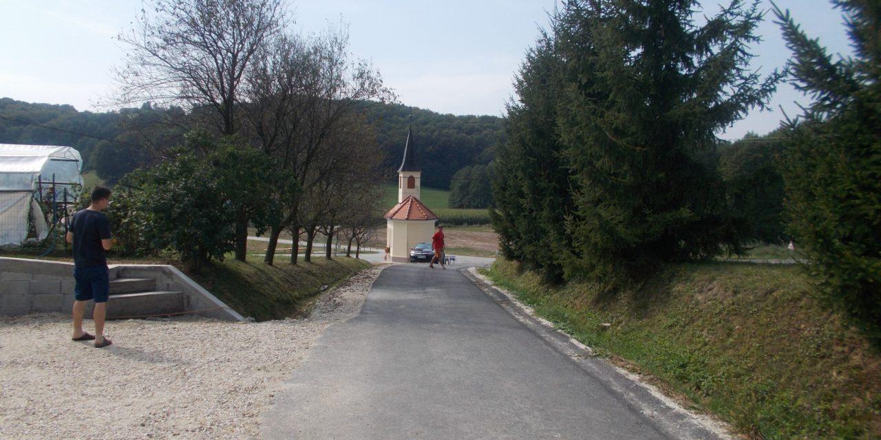 V Spodnjih Ključarovcih nova cesta in obnovljena kapela