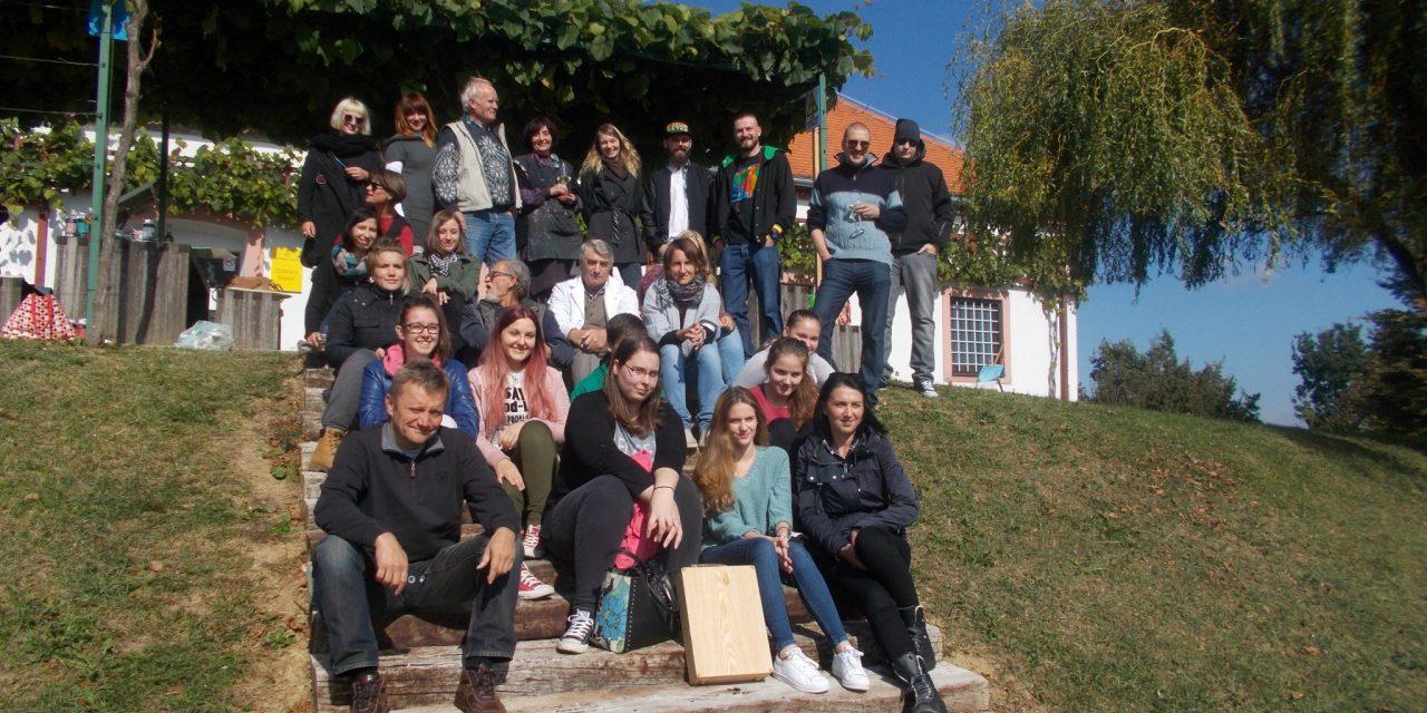 Likovno-literarna kolonija Malek vključena v projekt RASTOČA KNJIGA