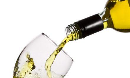 """V Podgorcih ocenili vina za """"naj špricar"""" in mlada vina"""