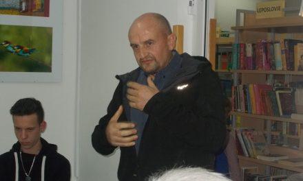 FOTOGRAF CIRIL AMBROŽ razstavlja v Krajevni knjižnici SVETI TOMAŽ