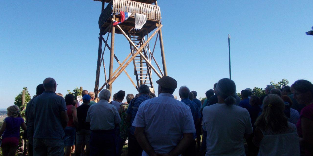 """Z """"Larinega razglednega stolpa"""" na Cvetkovskem vrhu se bo odslej videlo še dlje"""
