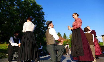 Folklorna skupina METLA: Nitke desetih let