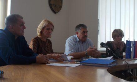 Z včerajšnje tiskovne konference: letošnja energetska sanacija šolskih zgradb bo zaključena v drugi polovici oktobra