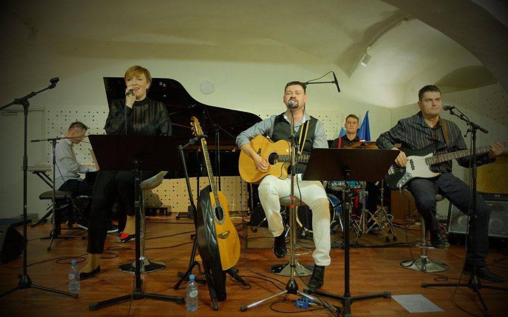 Če je življenje sreča – nocoj ob 20.uri posnetek koncerta Jasmine Dovnik in Primoža Kiriča