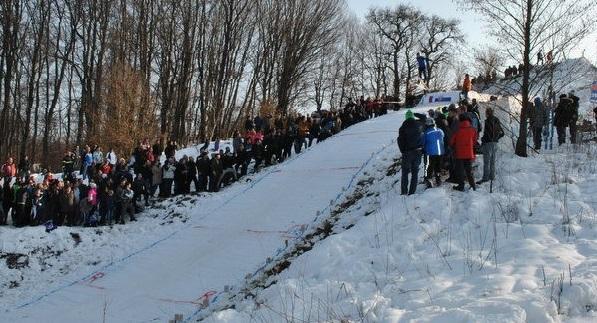 Smučarski skoki v Vuzmetincih po petih letih zopet navdušili, David Kvar postavil novi rekord