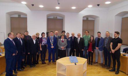Alojz Sok častno prepustil funkcijo župana Danijelu Vrbnjaku (s prve konstitutivne seja Občinskega sveta Ormož:)