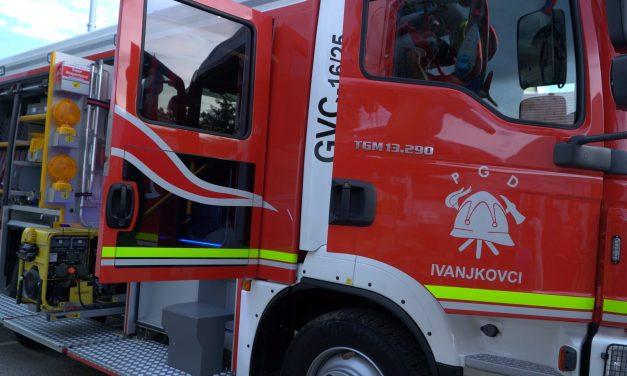 PGD Ivanjkovci se ponaša z novim gasilskim vozilom GVC 16/25 (s sobotne svečanosti ob 110 letnici PGD Ivanjkovci in 48. dneva gasilcev GZ ORMOŽ:)