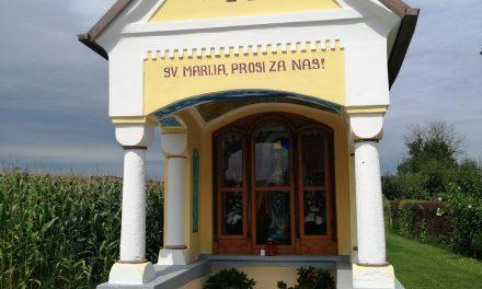 """V Osluševcih blagoslovili obnovljeno več kot 120 let staro """"Komahejevo kapelico"""""""