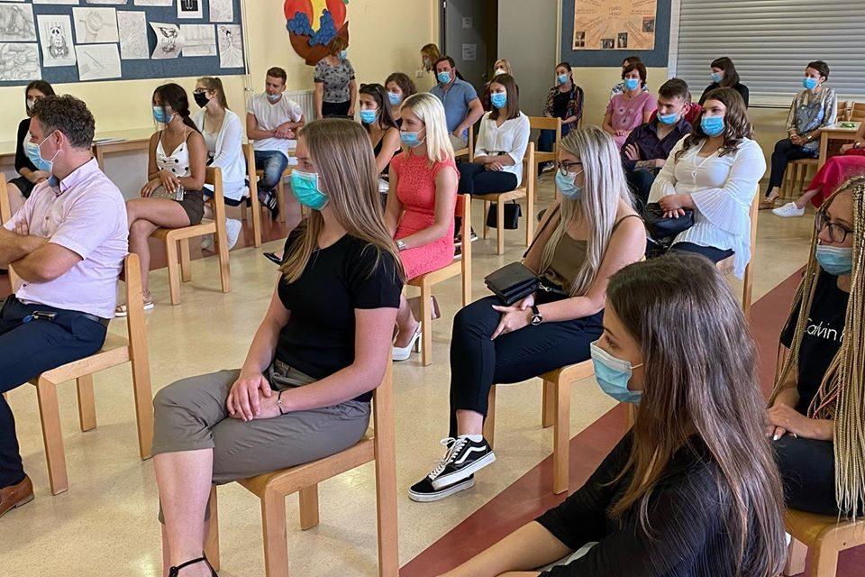 Gimnazija Ormož se veseli novega uspeha: na maturi iz predšolske vzgoje 100 odstotni uspeh in kar dve zlati maturantki