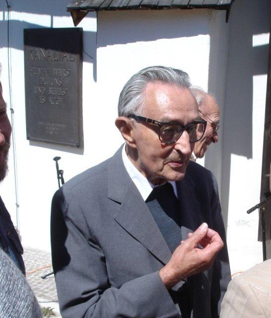 V Miklavžu pri Ormožu rojaku dr. Stanku Janežiču odkrili spominsko ploščo in odprli spominsko sobo