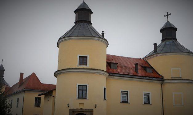 Posledice potresov vidne tudi na velikonedeljskem gradu