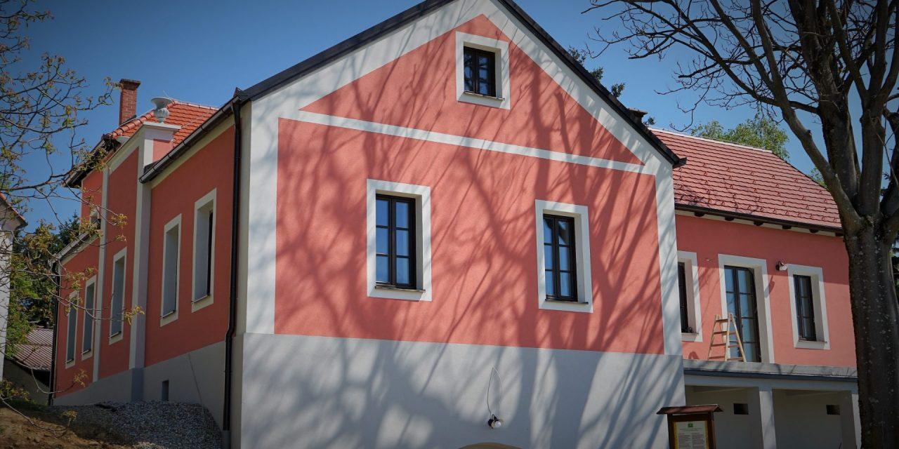 Košarkina hiša na Kogu že sije v vsej svoji lepoti